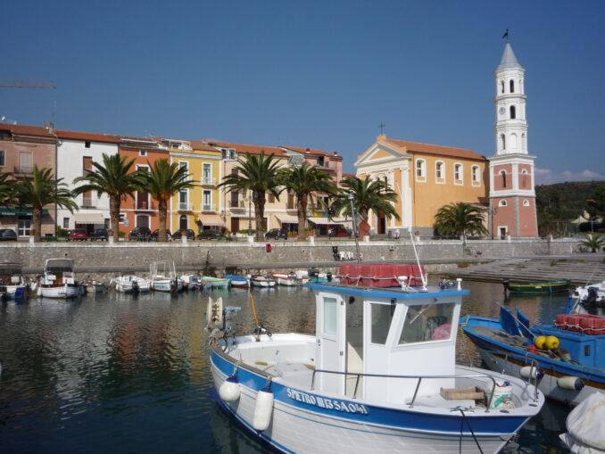 Il grazioso porto turistico di Scario, Salerno