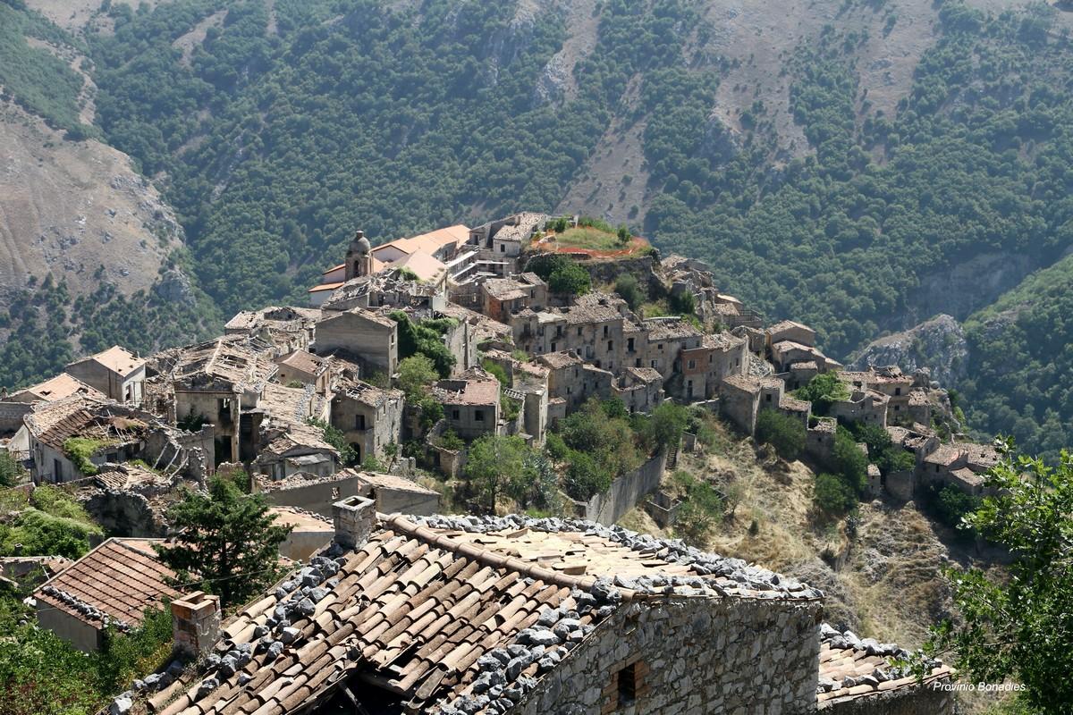 Romagnano al Monte, paese fantasma