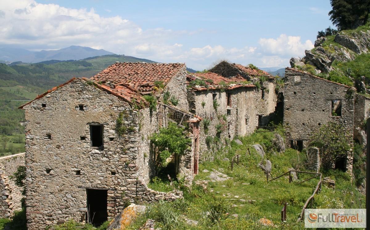 Borgo abbandonato di San Severino Centola, Cilento ©Foto Anna Bruno