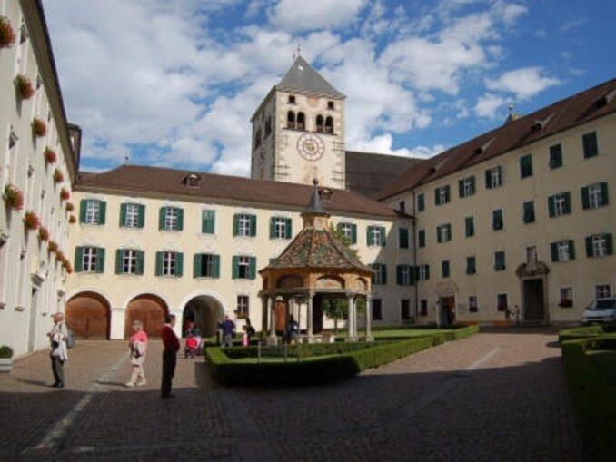 Abbazia agostiniana di Novacella