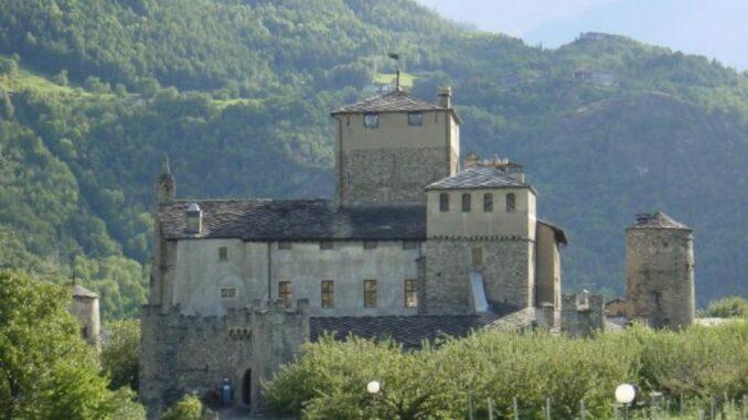 Castello Sarriod de la Tour, Saint-Pierre