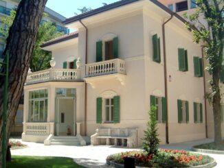 """Galleria d'arte moderna e contemporanea """"Villa Franceschi"""""""