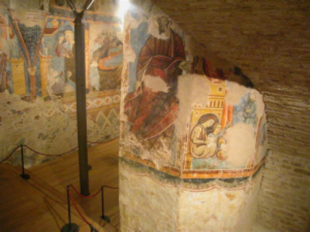 Cripta e scale di San Giovanni, Siena