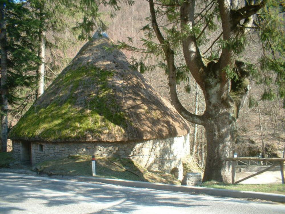 Ecomuseo montagna pistoiese - Comparto produttivo del ghiaccio della Madonnina, Pistoia
