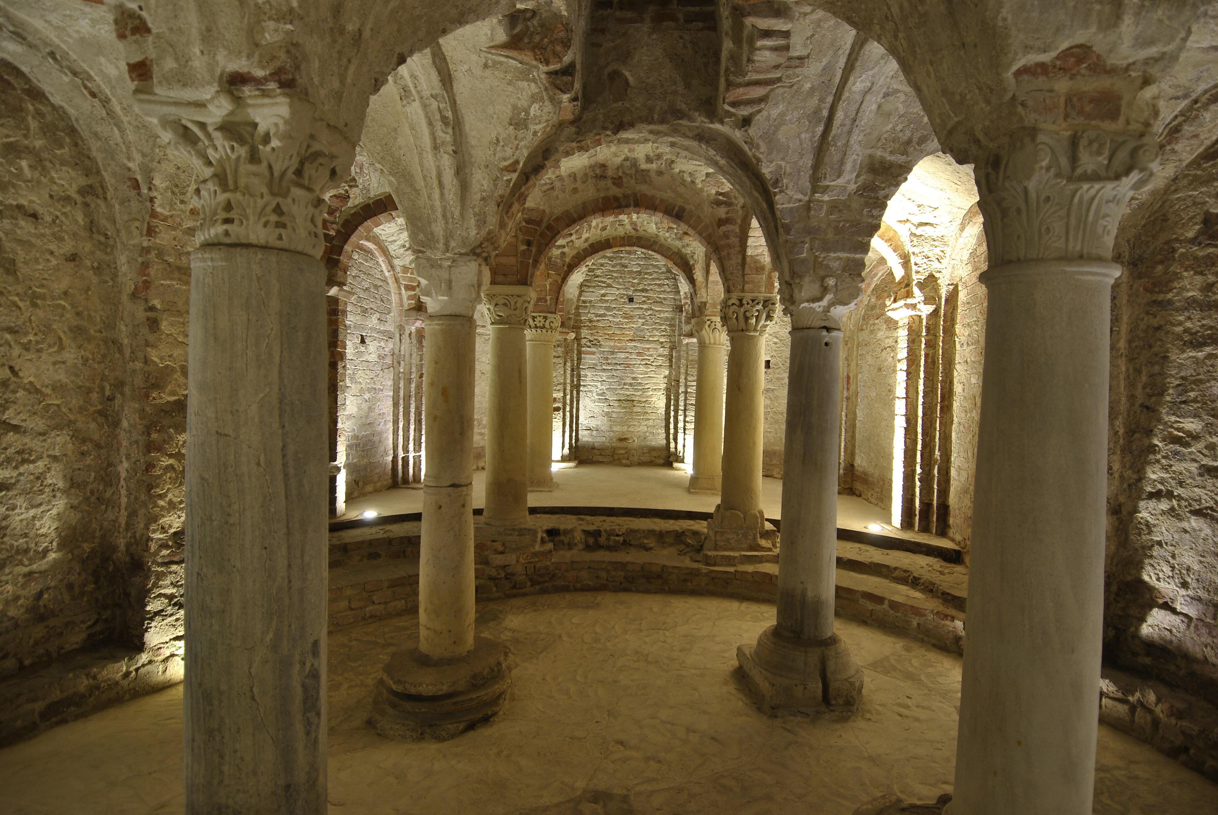 Cripta e museo di S. Anastasio, Asti
