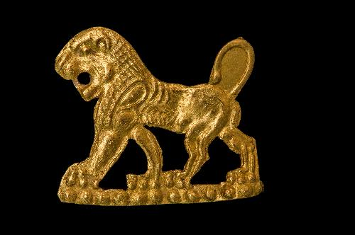 Lamina raffigurante leone incedente a sinistra, fine VI - inizi V secolo
