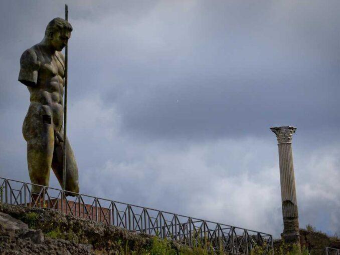 """""""Mitoraj in Pompeii"""", Pompei ANSA / CIRO FUSCO"""