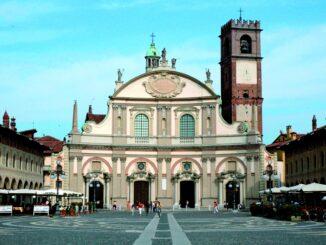 Facciata del Duomo di Vigevano