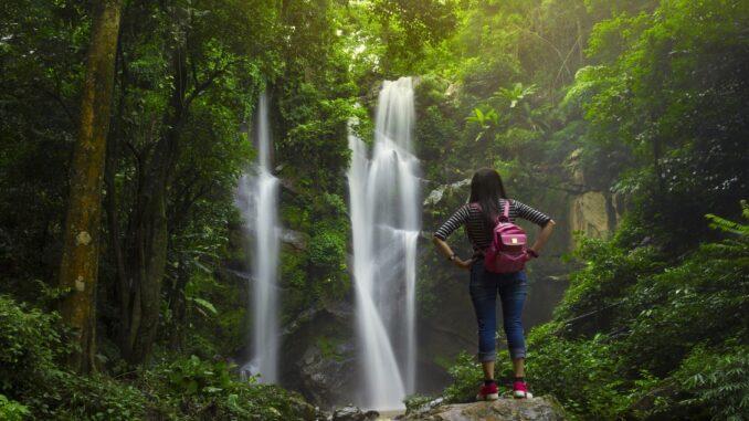 Una cascata lungo il trekking,nella Tuscia