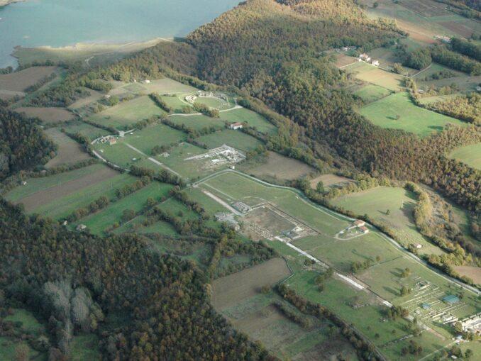 L'area archeologica di Grumentum e i Lago del Pertusillo