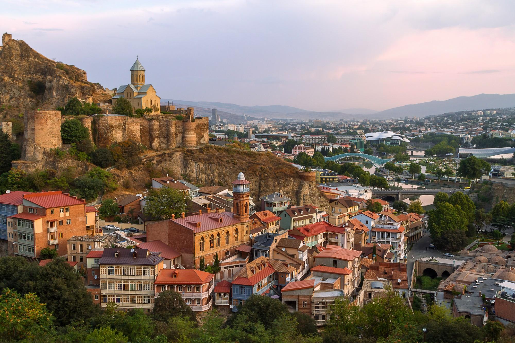 Vista di Tblisi, capitale della Georgia