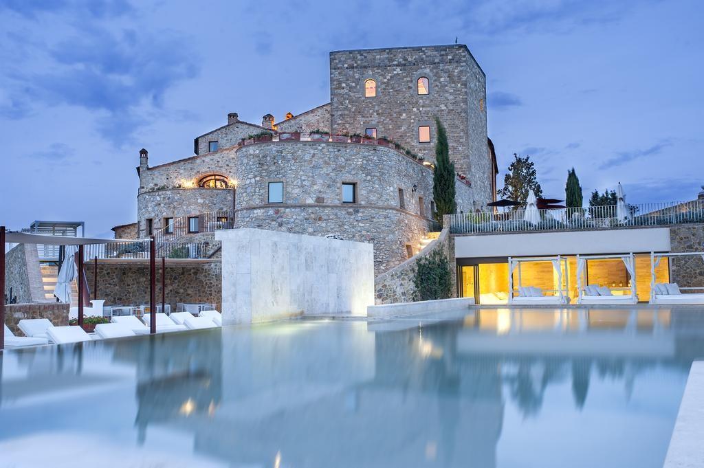 Castello di Velona, Val d'Orcia (Siena)