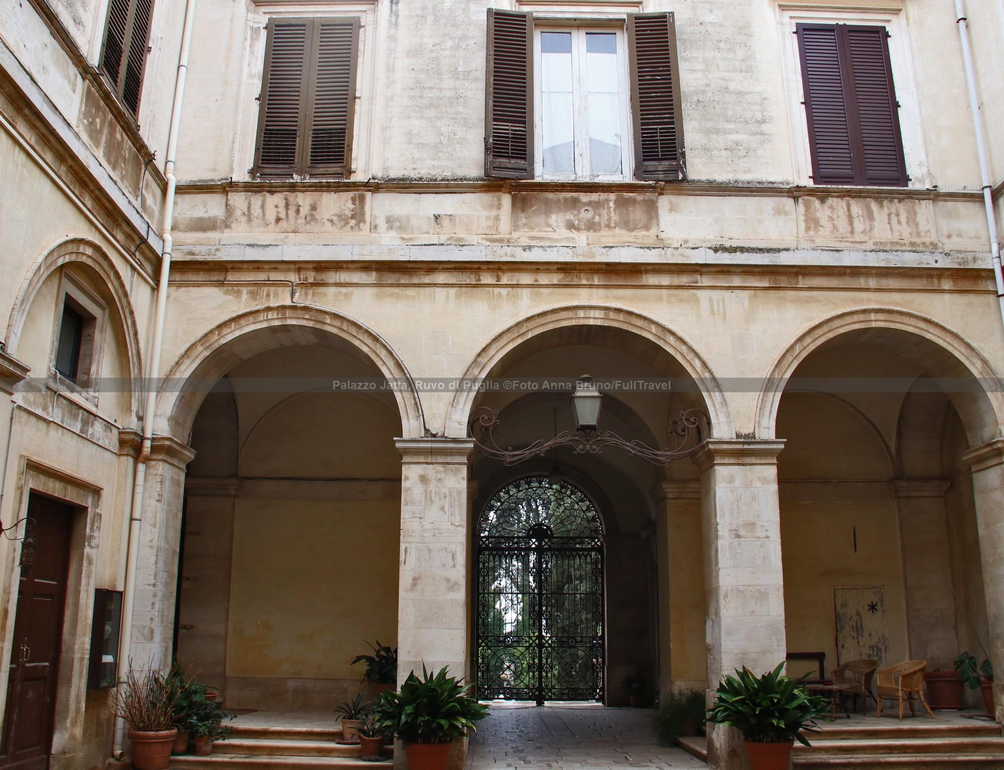 Cosa vedere a Ruvo di Puglia: Palazzo Jatta e annesso museo archeologico