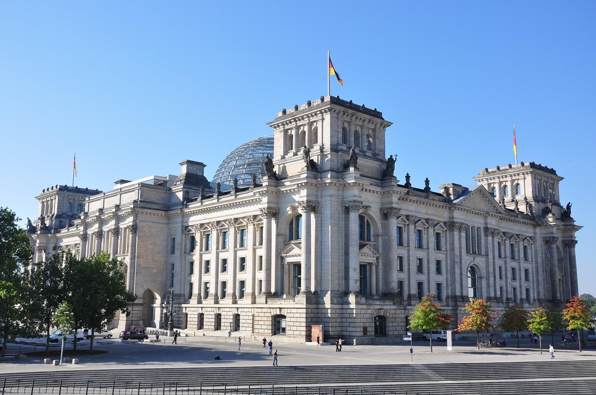Berlino luoghi di interesse: Reichstag, Berlino - Foto di risconcrivale