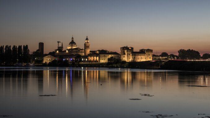 Mantova in un giorno: tramonto su Mantova - Foto di Rosy Torelli
