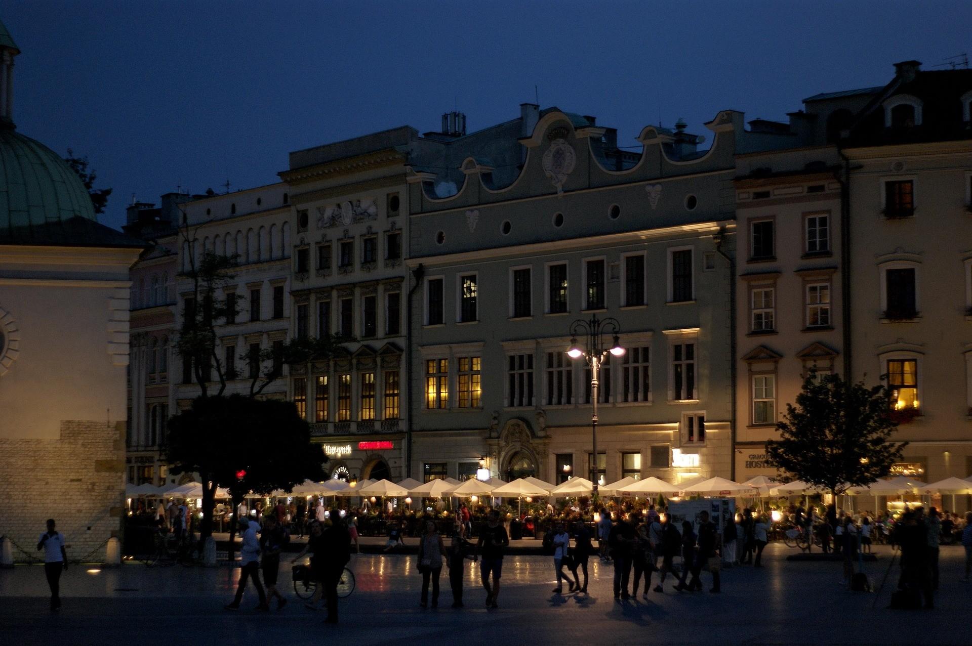 Vita notturna a Cracovia - Foto di Wi Pa