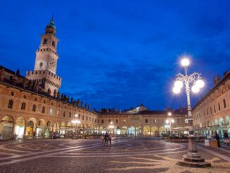 Cosa vedere a Vigevano, Piazza Ducale
