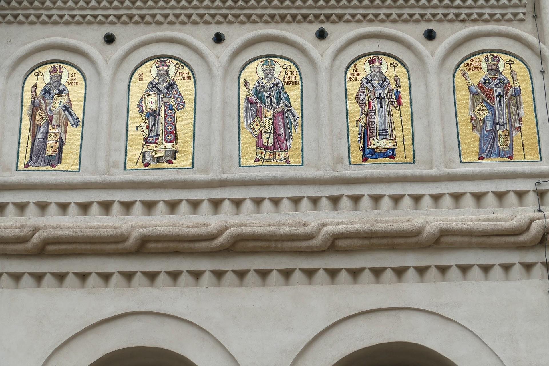 Mosaici sulle facciate della Cattedrale Patriarcale di Bucarest