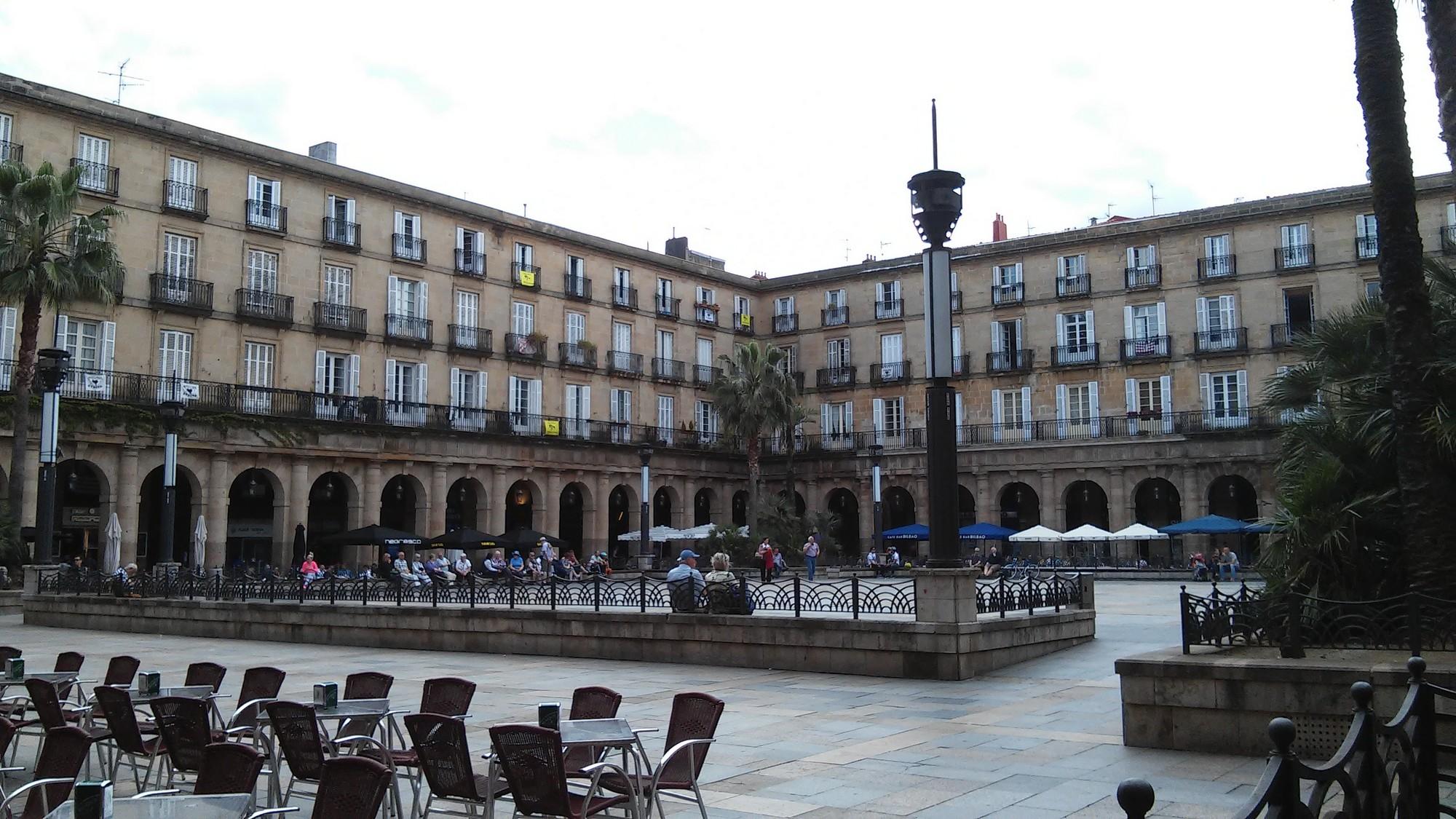 Plaza Nueva di Bilbao