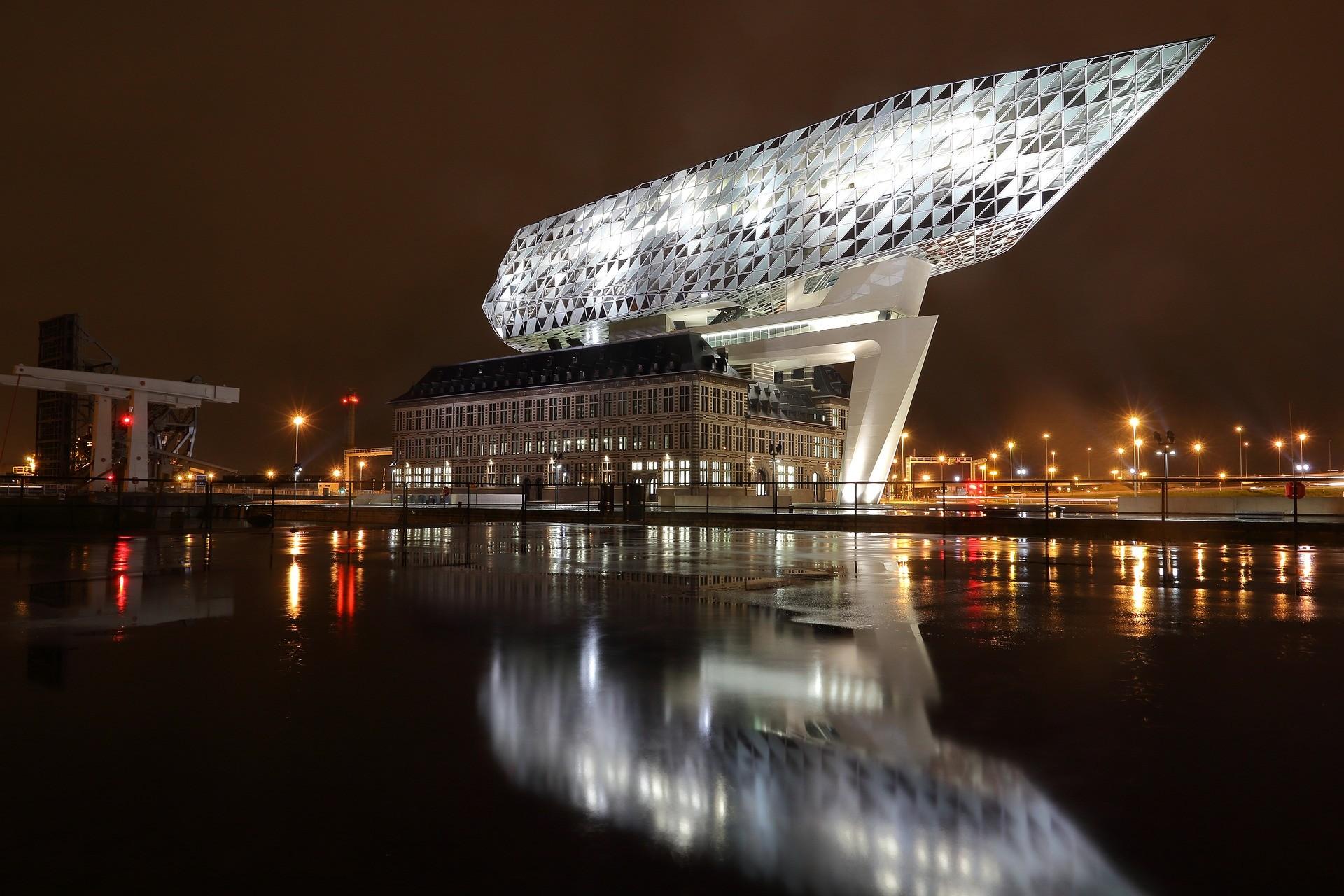 Porto di Anversa - Foto di olafpictures