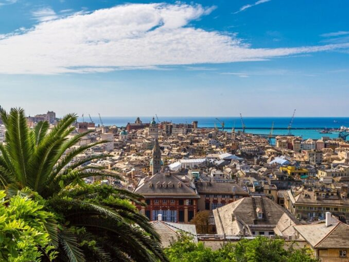 Tour guidato di Genova: in battello e a piedi