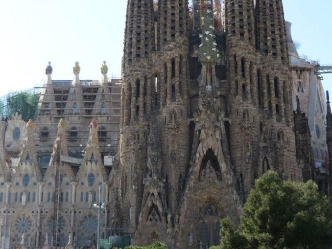 Tour privato alla scoperta di Gaudí e del Modernismo con pranzo