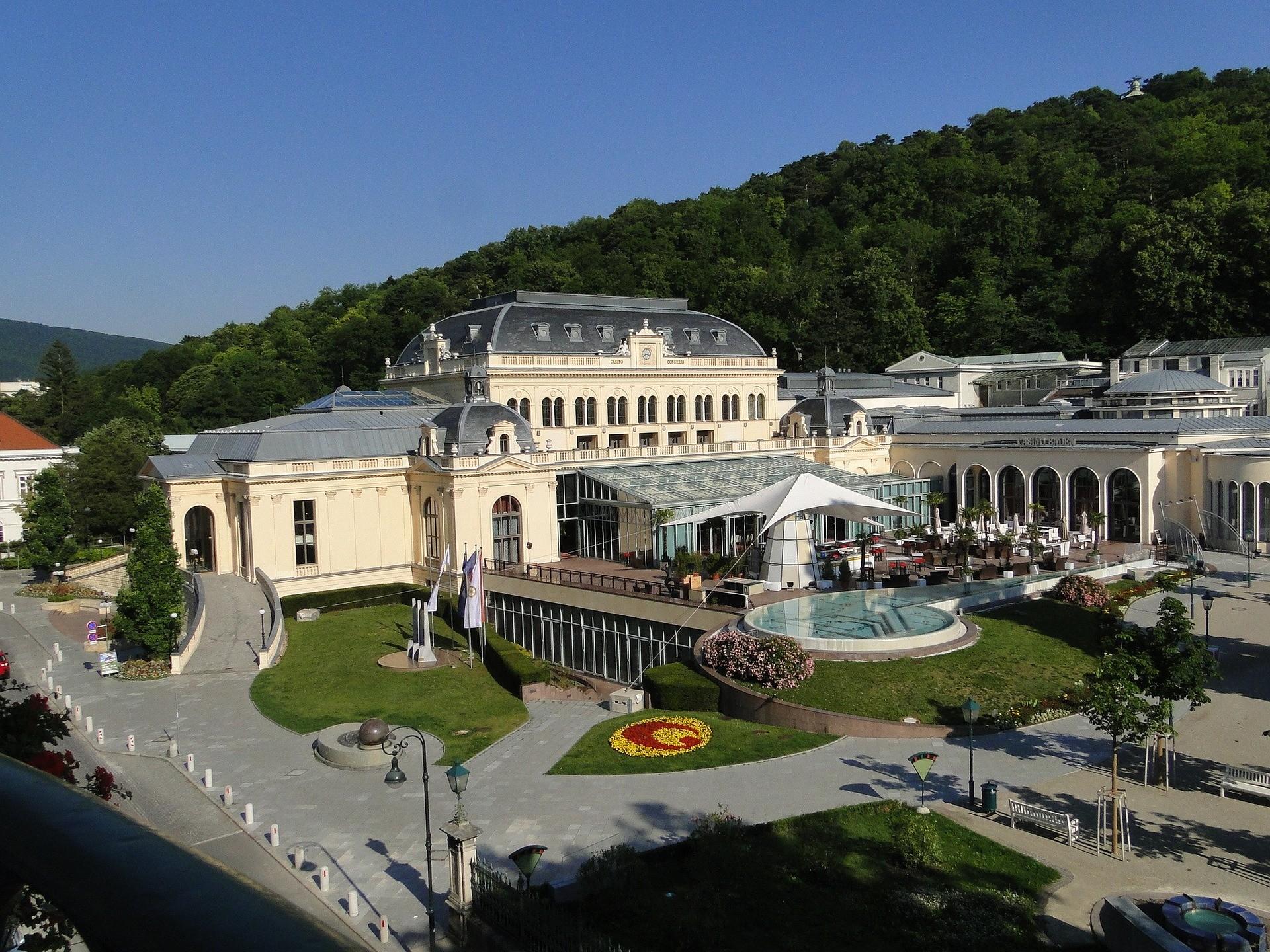 Dintorni di Vienna: Casino di Baden, Austria - Foto di Edelgard Hennicke