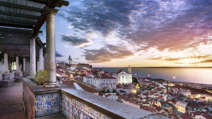 Mirador de Santa Luzia -Lisbona, Portogallo