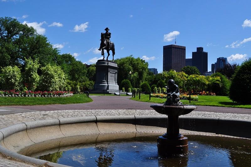 Boston Public Garden ©MOTT