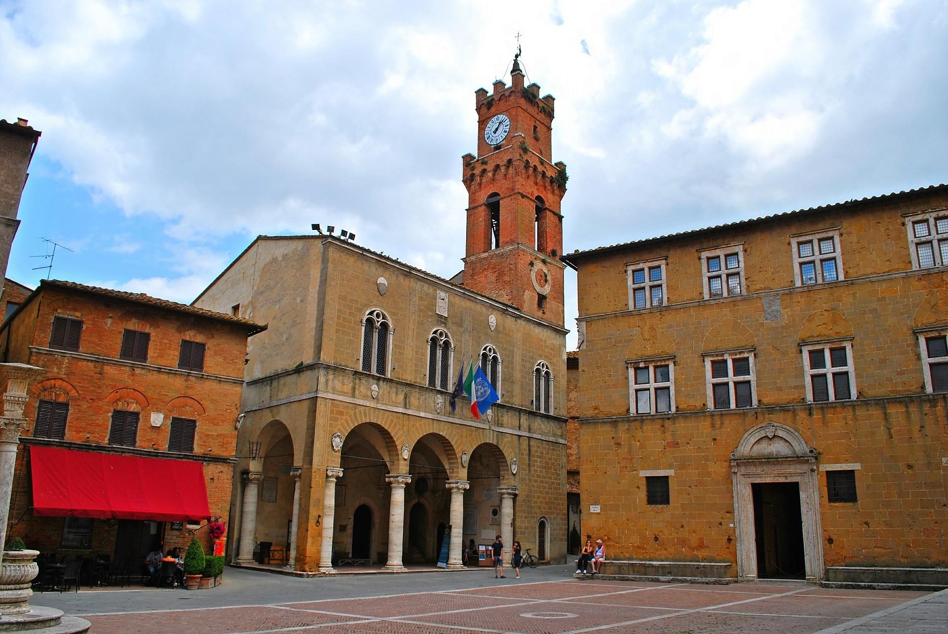 Piazza Papa Pio II a Pienza - Foto di RossanoValeri