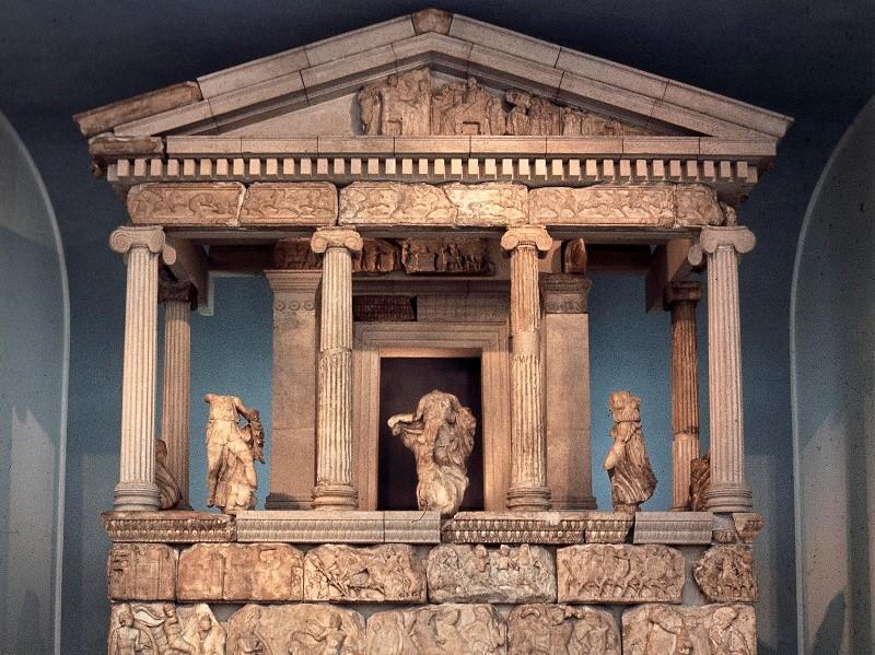 Il monumento delle Nereidi di Xanto ©Foto The Trustees of the British Museum