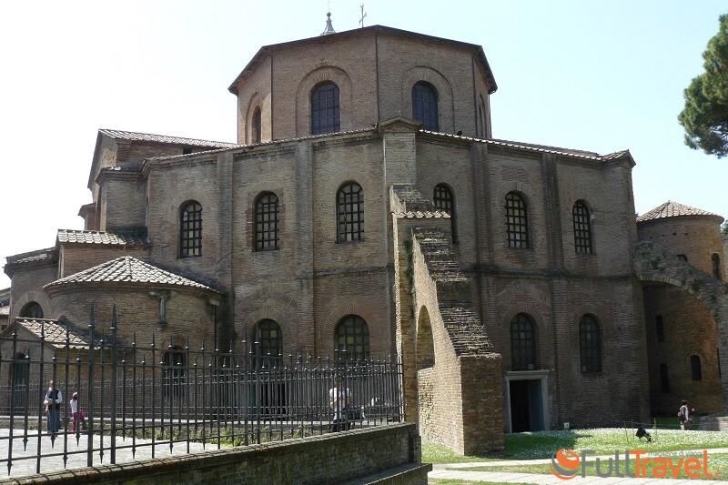 Chiesa San Vitale a Ravenna: esterno - Foto Francesco Mura