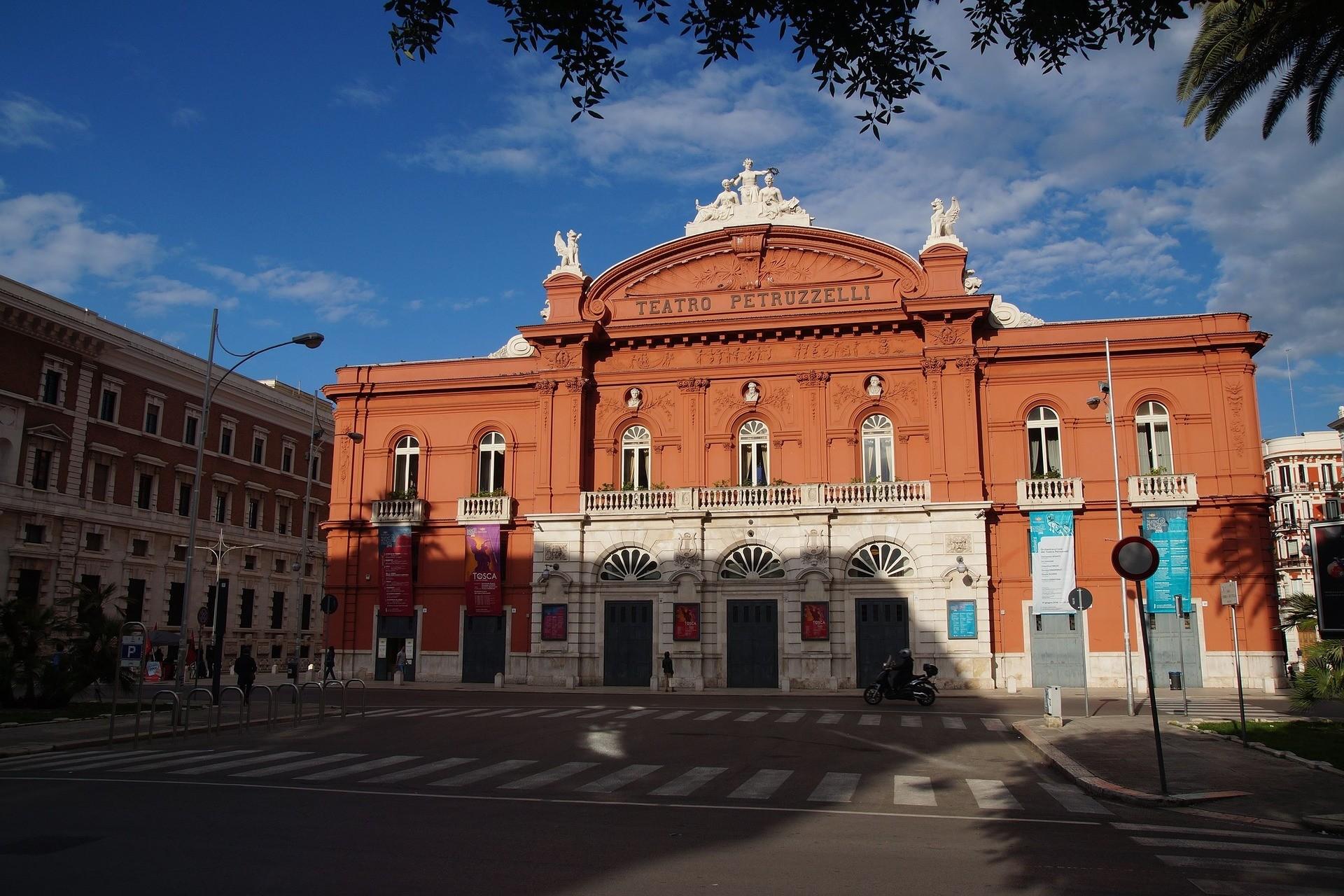 Teatro Petruzzelli a Bari - Foto di tomek999