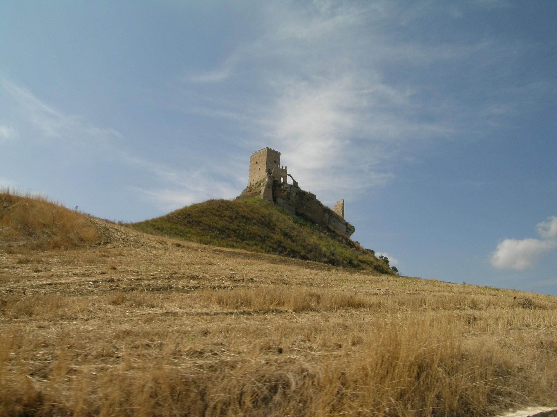 Castello di Cefalà Diana nei dintorni di Palermo - Foto di Luigi Mennella