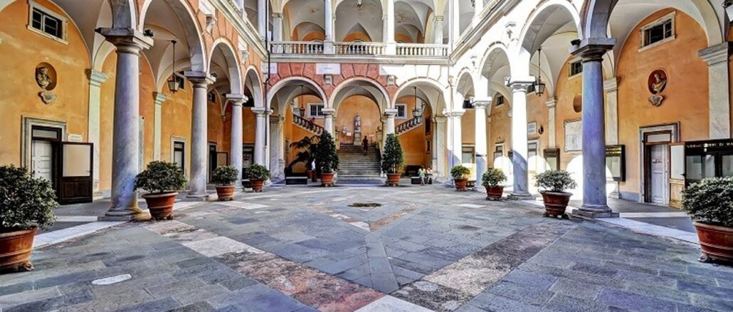 Il cortile interno di Palazzo Doria Tursi, Genova – Foto Maurizio Beatrici