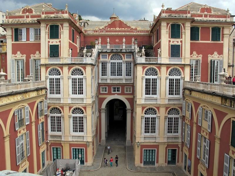 Controfacciata di Palazzo Reale – Foto di Saliko