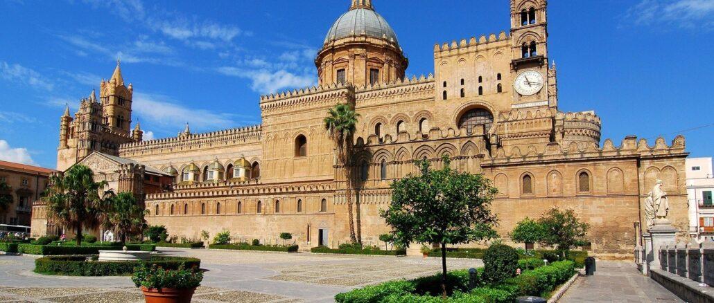 Scorcio di Palermo, la cattedrale - Foto di Salvatore Galle